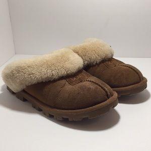 Women's Ugg Slip On Slippers size 8